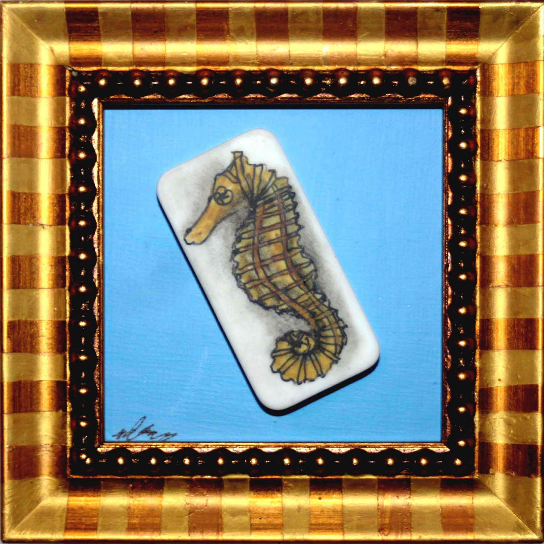lone seahorse (2)